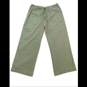L.L. Bean M Classic Fit 100% Cotton Wide-Leg Pant